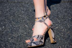 15 ultimate men's & women's best dress shoes for plantar fasciitis