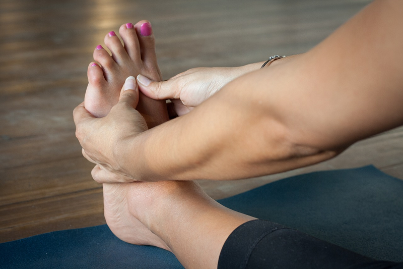 8 Foot & Ankle Stretches To Prevent Foot Pain