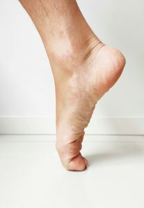 foot pain extensor ligaments stretch