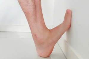 foot pain standing calf stretch